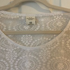 ✨ Size XS | Abercrombie & Fitch White Lace Top
